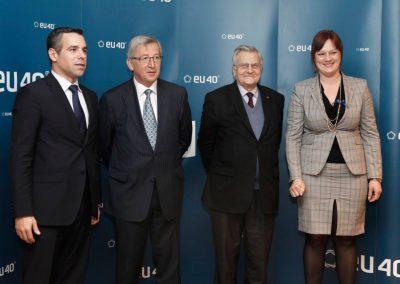 Diskusia EU40 v Európskom parlamente o ekonomike s niekdajším prezidentom Európskej centrálnej banky J-C. Trichetom a vtedy prvým prezidentom Euroskupiny J-C. Junckerom 2